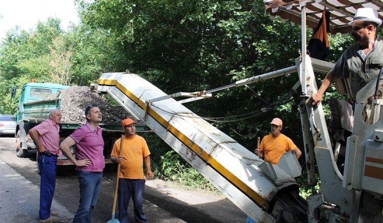 Кирил Добрев инспектира ремонта на пътя Севлиево – Крамолин