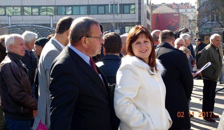 Сидорова подкрепи протеста на пенсионери от цялата страна